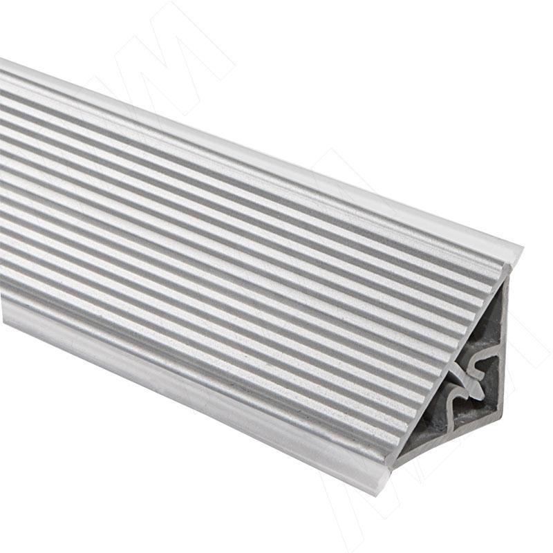 Плинтус пластиковый треугольный L=3м, рифленый, серебро (66.300R.MR) плинтус алюминиевый треугольный l 4м серебро 65 400al